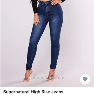 Fashion Nova jeans only tried on.. did not fit me